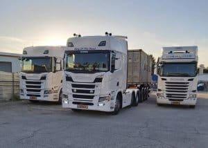 פתרונות שינוע בעזרת צי משאיות חדיש ומתקדם